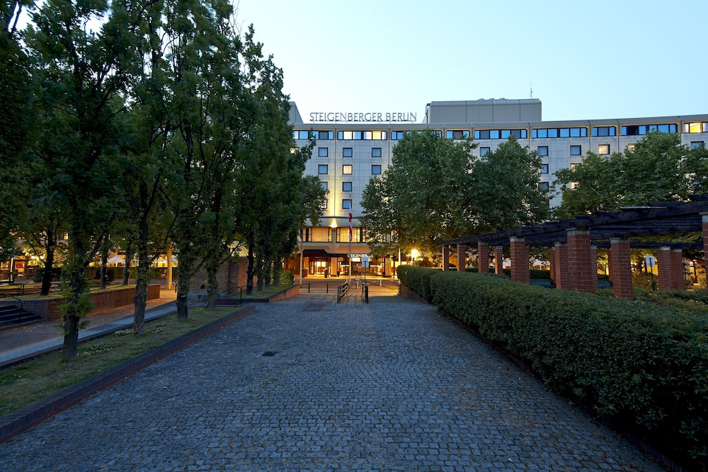 Front of Property - Evening/Night, Steigenberger Hotel Berlin