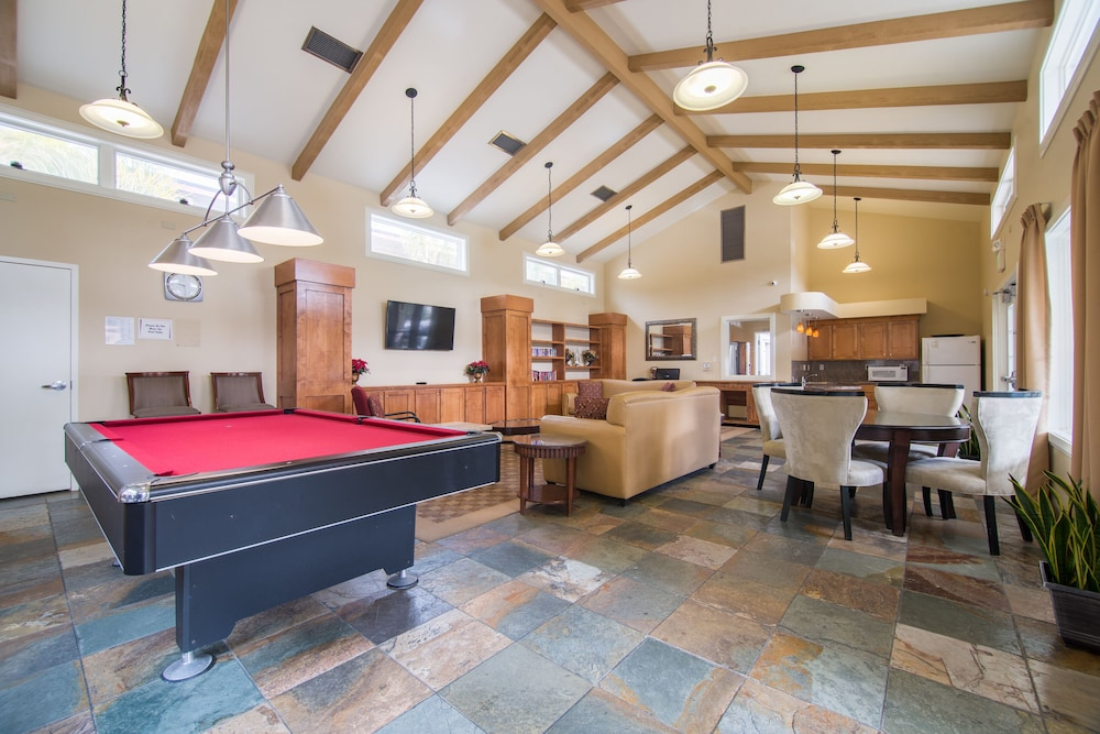 Billiards, Winners Circle Resort, a VRI resort
