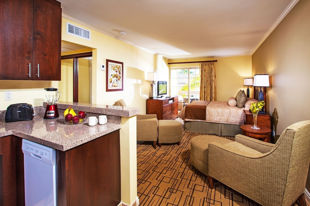 Room, Winners Circle Resort, a VRI resort