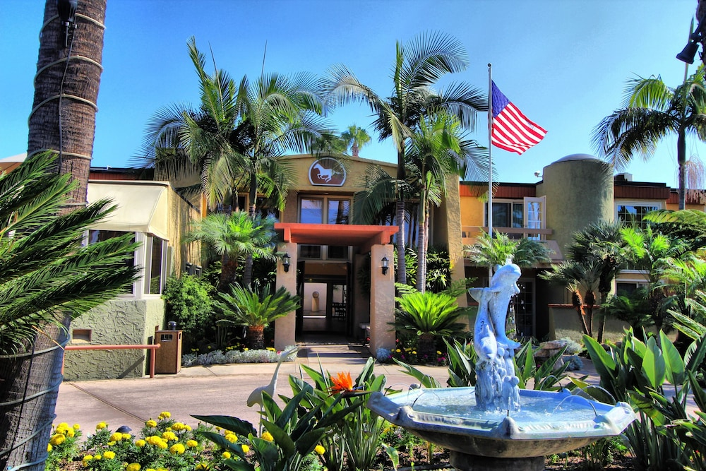 Front of Property, Winners Circle Resort, a VRI resort