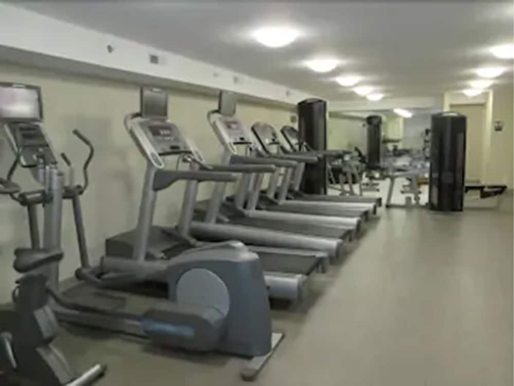 Fitness Facility, Clayton Plaza Hotel & Extended Stay