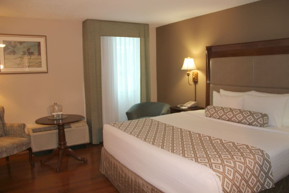 Room, Clayton Plaza Hotel & Extended Stay