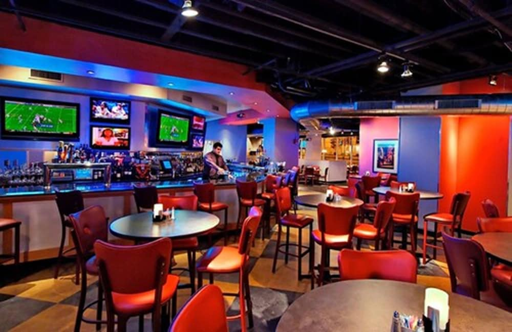 Sports Bar, Clayton Plaza Hotel & Extended Stay