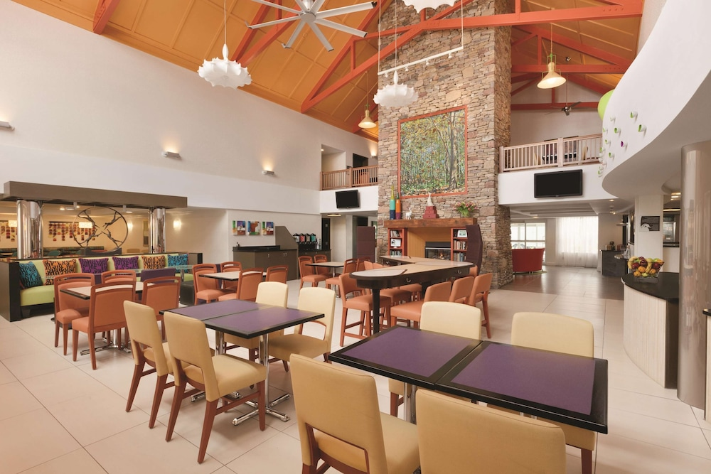 Bar, Homewood Suites by Hilton Harrisburg-West Hershey Area