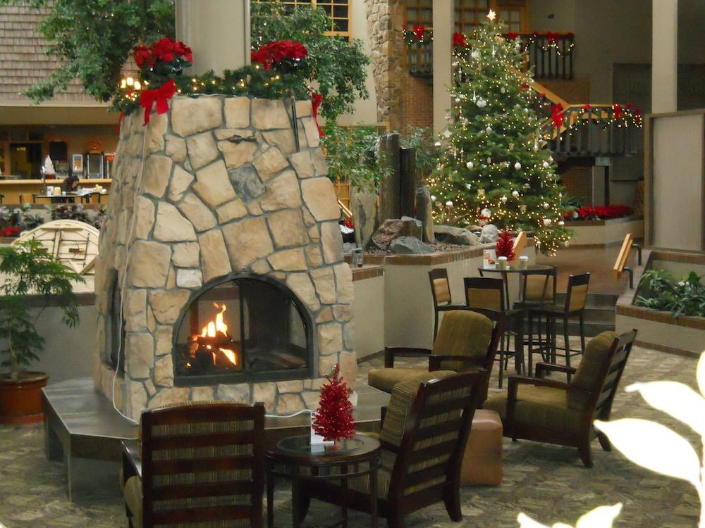Colorado Springs Christmas 2019.The Academy Hotel Colorado Springs Colorado Springs 2019