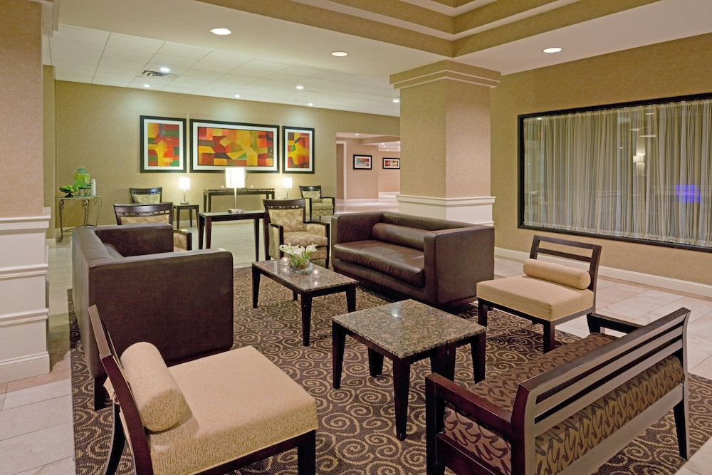 Lobby, Holiday Inn Boston - Dedham Hotel & Conference Center