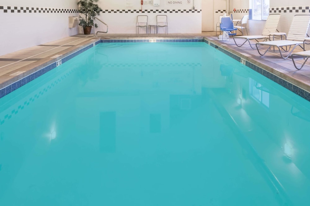 Pool, Baymont by Wyndham Santa Fe