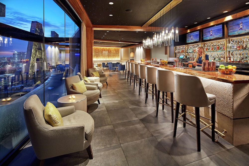 Bar, The Statler Dallas Curio Collection By Hilton