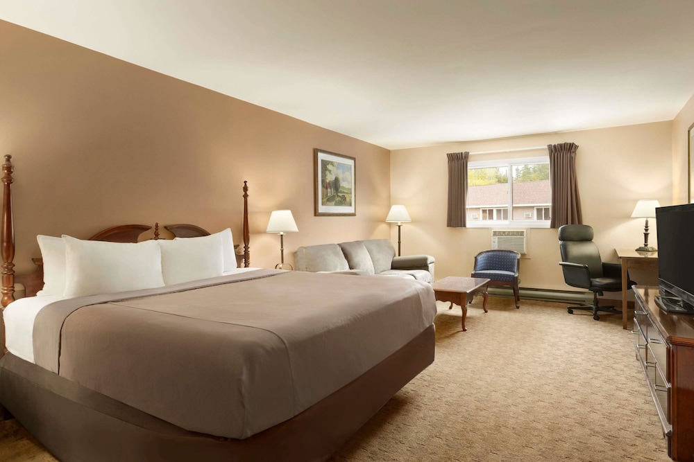 Room, Travelodge by Wyndham Kenora