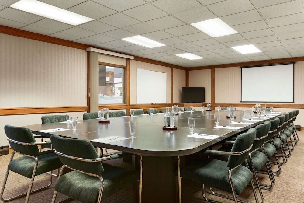 Meeting Facility, Travelodge by Wyndham Kenora