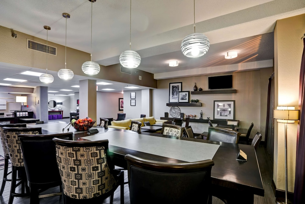 Reception, Hampton Inn Knoxville - Airport