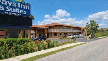 Days Inn & Suites by Wyndham Orlando East UCF Area