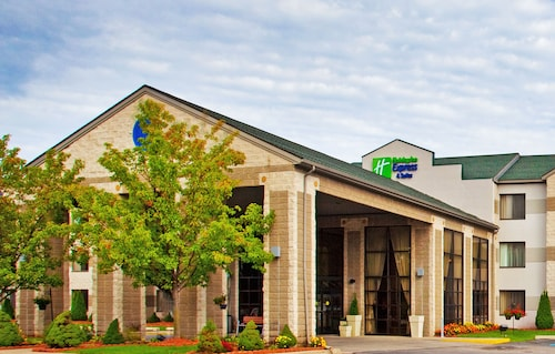 Great Place to stay Holiday Inn Express Hotel & Suites Grand Rapids Airport near Grand Rapids