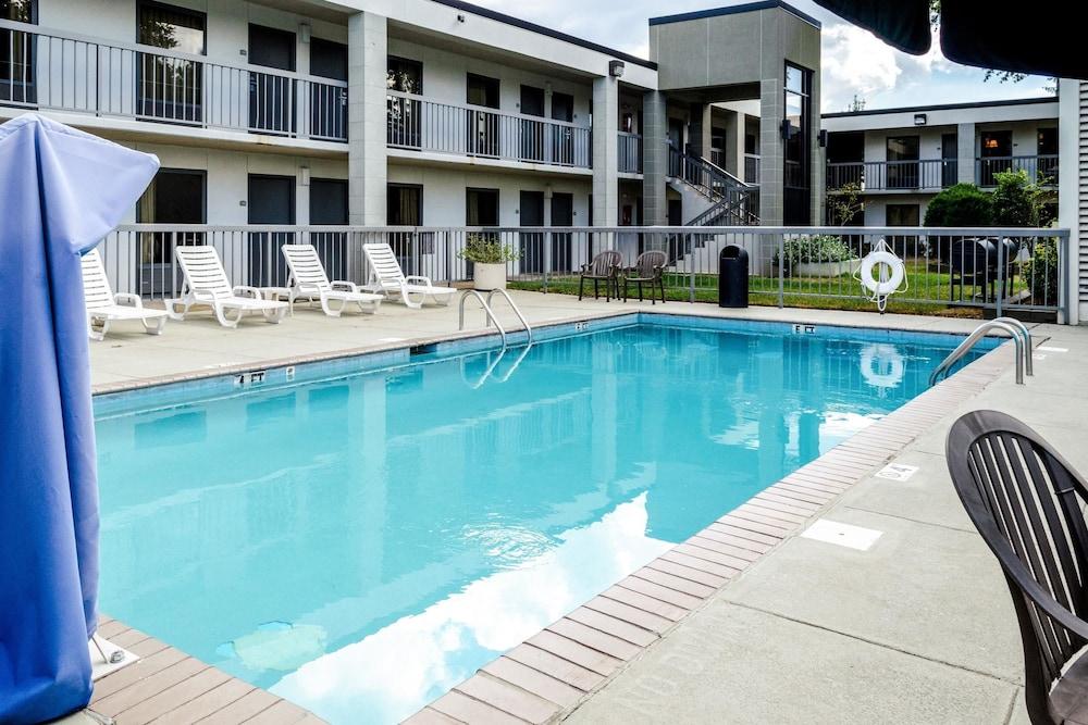 Quality Inn Moss Point Pascagoula In Biloxi Hotel Rates Reviews On Orbitz