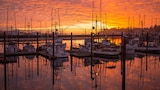 Embarcadero Resort Hotel & Marina - Newport Hotels