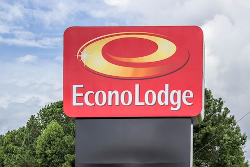 Check Expedia for Availability of Econo Lodge