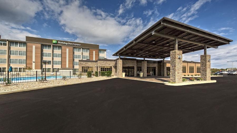 Holiday Inn Express Louisville Airport Expo Center, an IHG Hotel