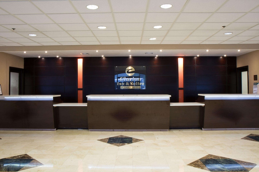 Lobby, Clarion Inn & Suites Miami International Airport