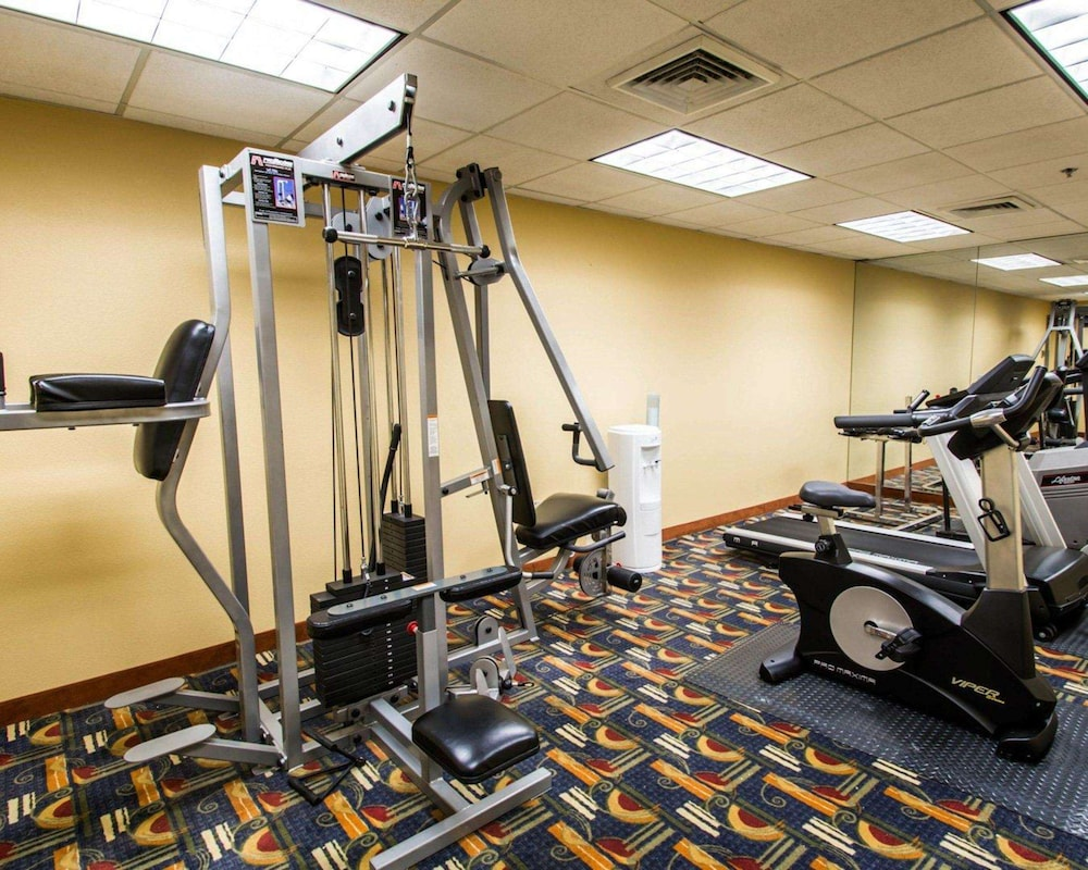 Fitness Facility, Clarion Inn & Suites Miami International Airport
