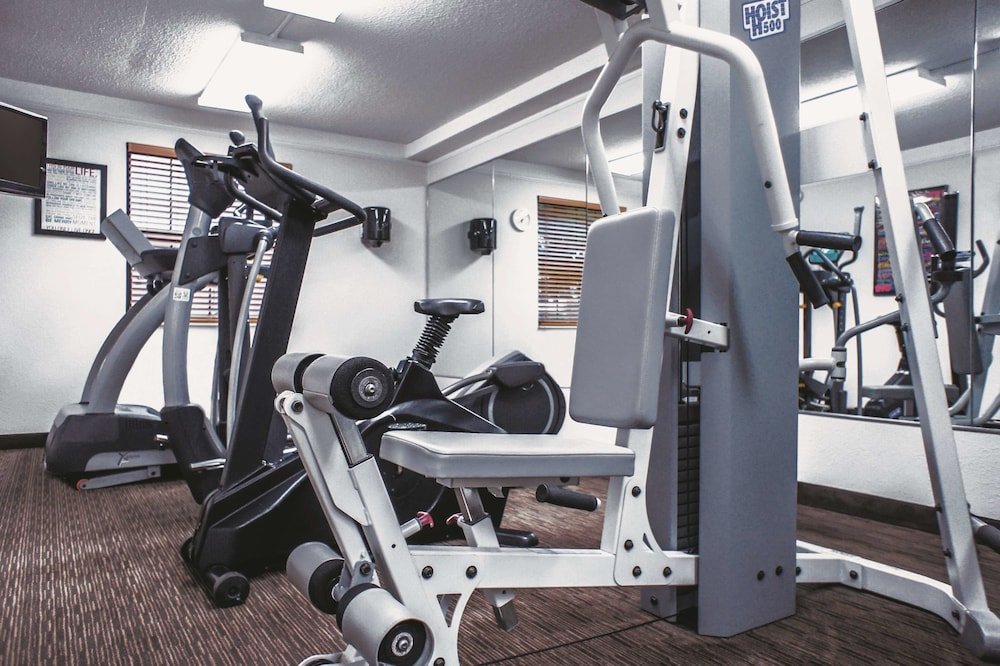 Fitness Facility, La Quinta Inn by Wyndham Moline Airport