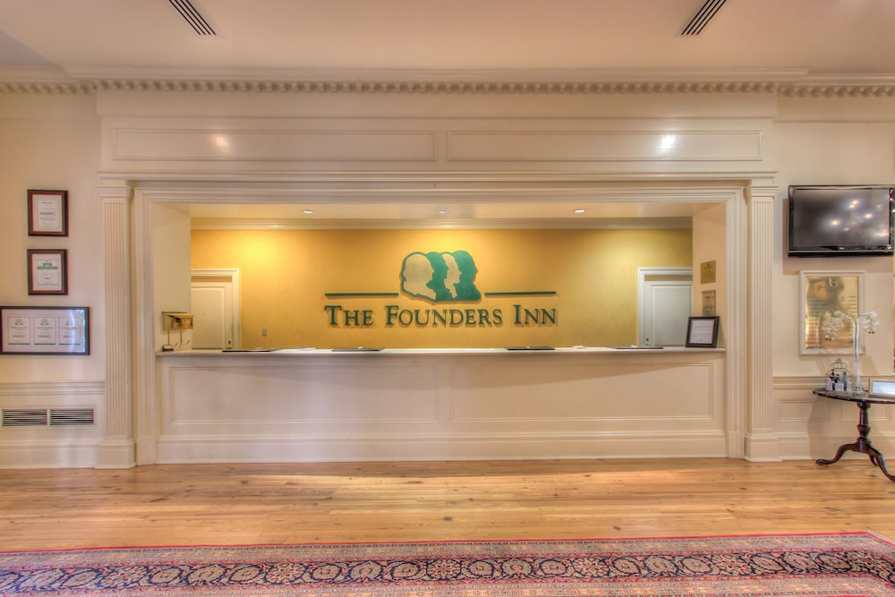 Reception, The Founders Inn and Spa, Tapestry Collection by Hilton