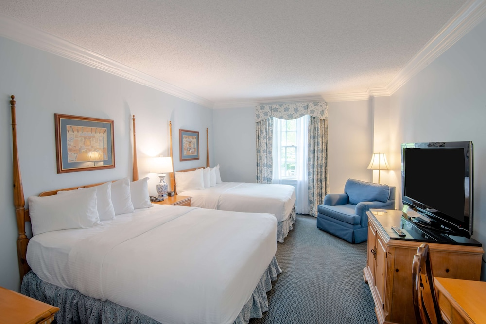 Room, The Founders Inn and Spa, Tapestry Collection by Hilton