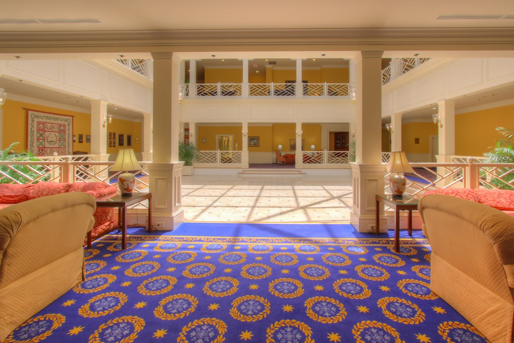 Lobby, The Founders Inn and Spa, Tapestry Collection by Hilton