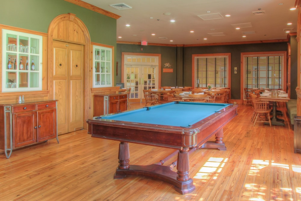 Billiards, The Founders Inn and Spa, Tapestry Collection by Hilton