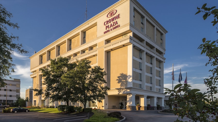 Crowne Plaza Suites Pittsburgh South, an IHG Hotel