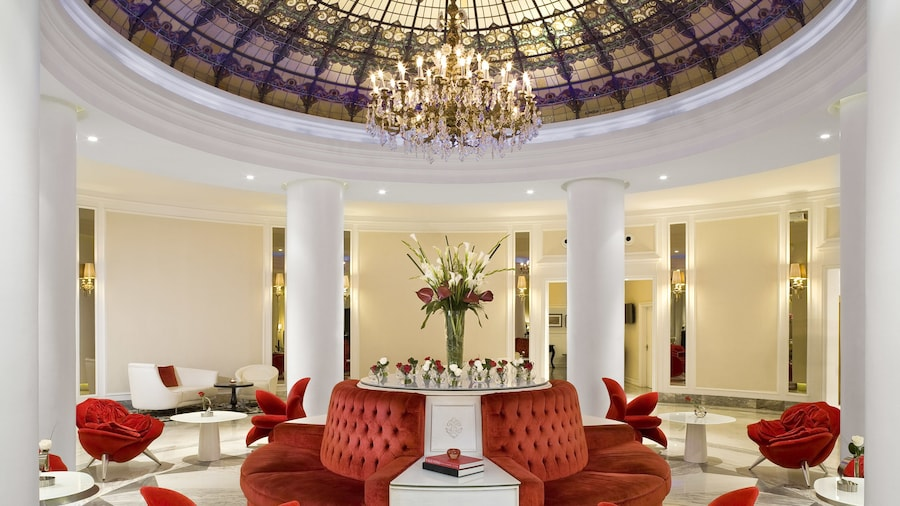Hotel Colón Gran Meliá - The Leading Hotels of the World