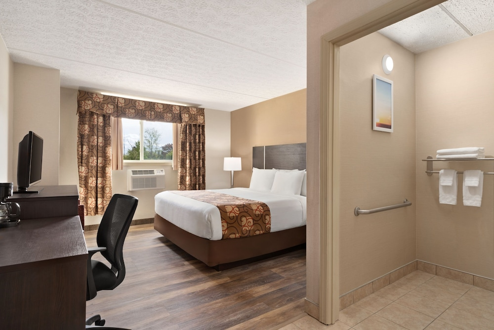 Days Inn by Wyndham Airport/Maine Mall: 2019 Room Prices $99, Deals