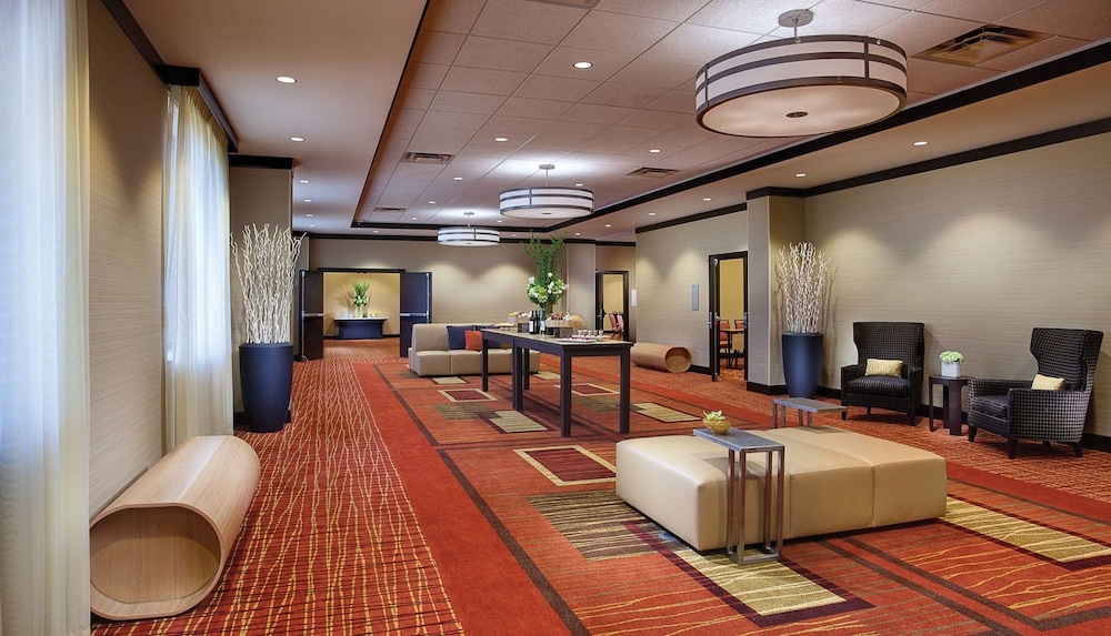 Interior, Courtyard by Marriott Downtown Grand Rapids
