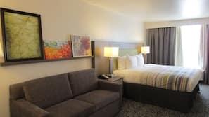 1 bedroom, premium bedding, desk, laptop workspace