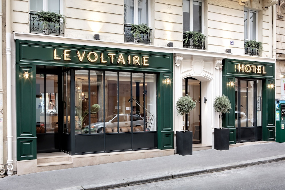 ニュー ホテル ル ヴォルテール...