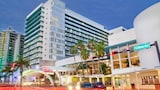The Deauville Beach Resort - Miami Beach Hotels