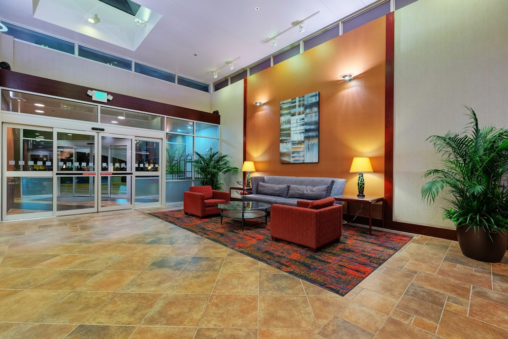 holiday inn downtown mercy area 2019 room prices. Black Bedroom Furniture Sets. Home Design Ideas
