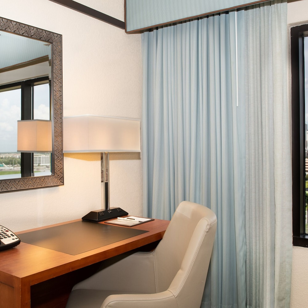 Room, DoubleTree by Hilton Hotel Orlando at SeaWorld