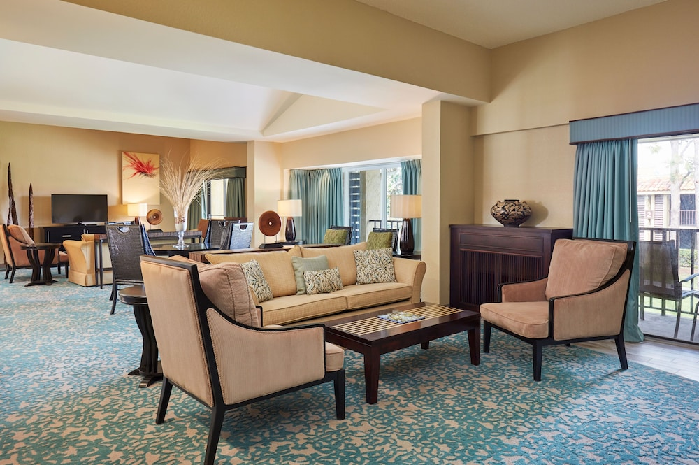 Living Room, DoubleTree by Hilton Hotel Orlando at SeaWorld