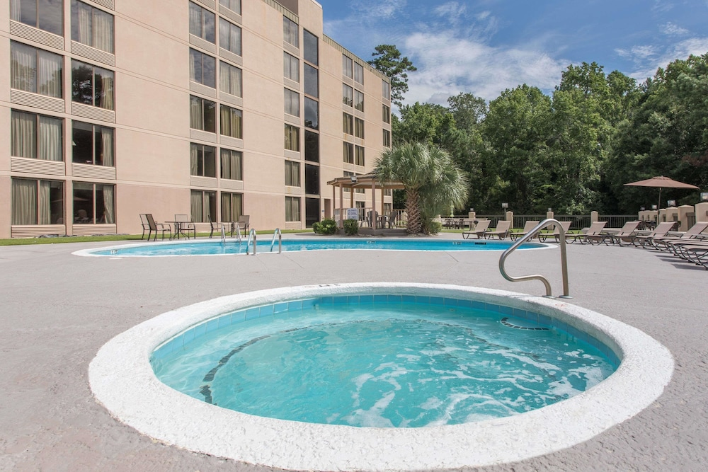 Pool, Days Inn by Wyndham Myrtle Beach