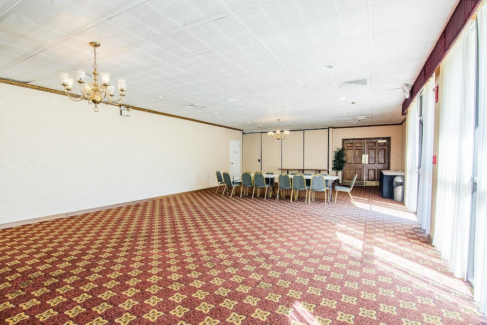 Meeting Facility, Econo Lodge Inn & Suites