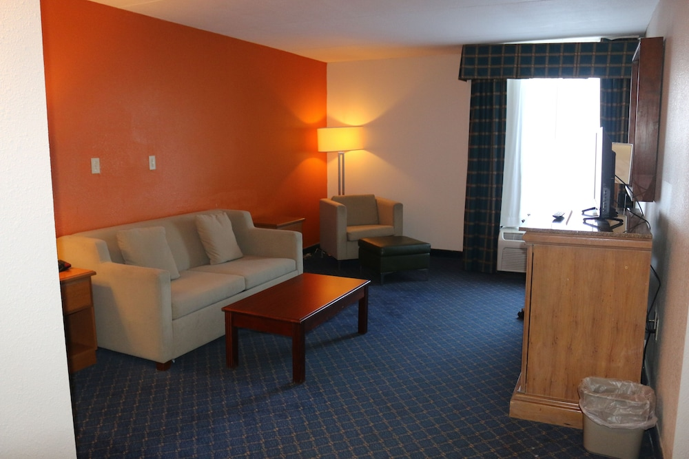 Room, Econo Lodge Inn & Suites