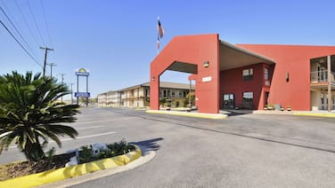 GreenTree Inn San Antonio/Near Lackland AFB