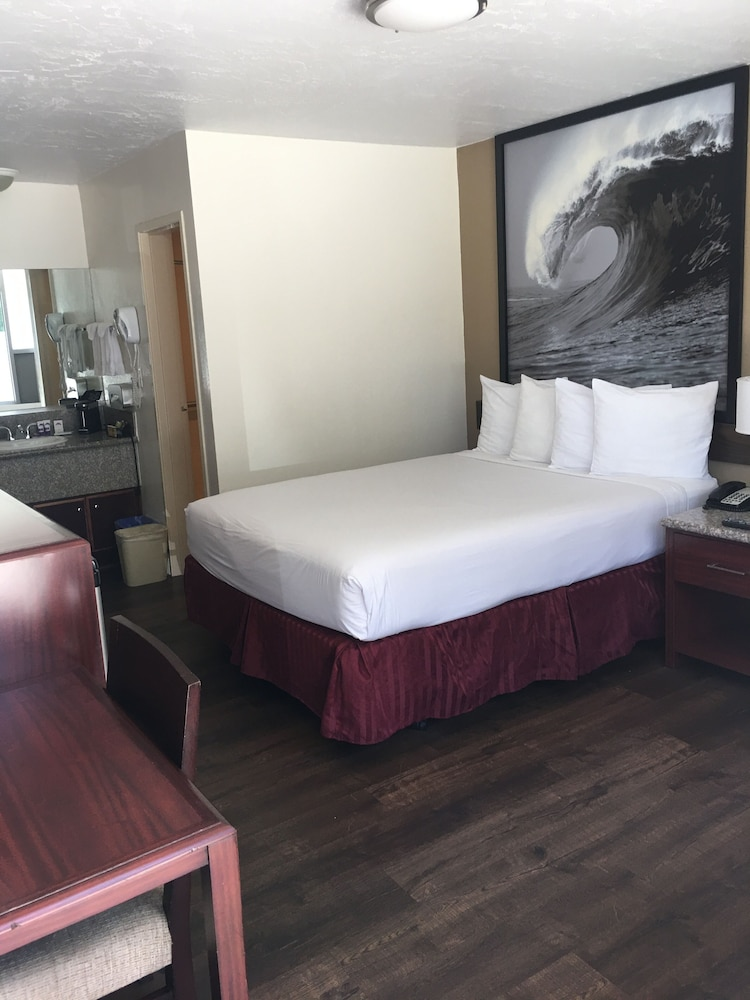 Room, Kings Inn Anaheim at the Park & Convention Center
