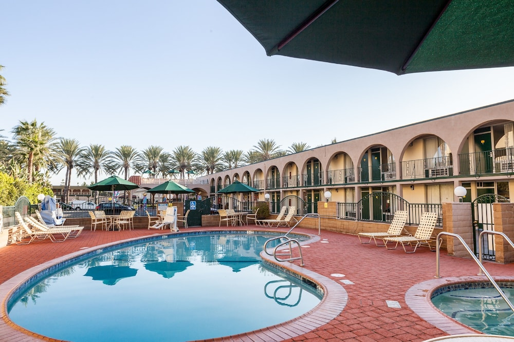 Featured Image, Kings Inn Anaheim at the Park & Convention Center