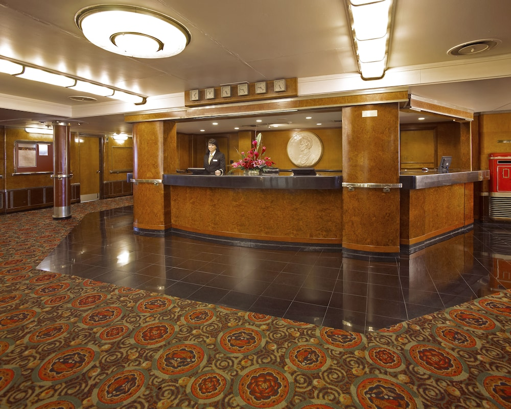 Reception, The Queen Mary