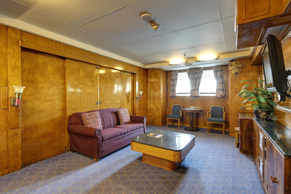 Living Area, The Queen Mary