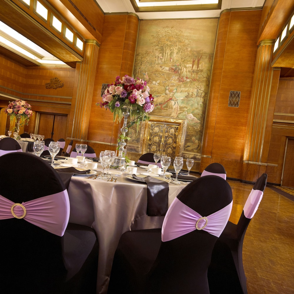 Indoor Wedding, The Queen Mary