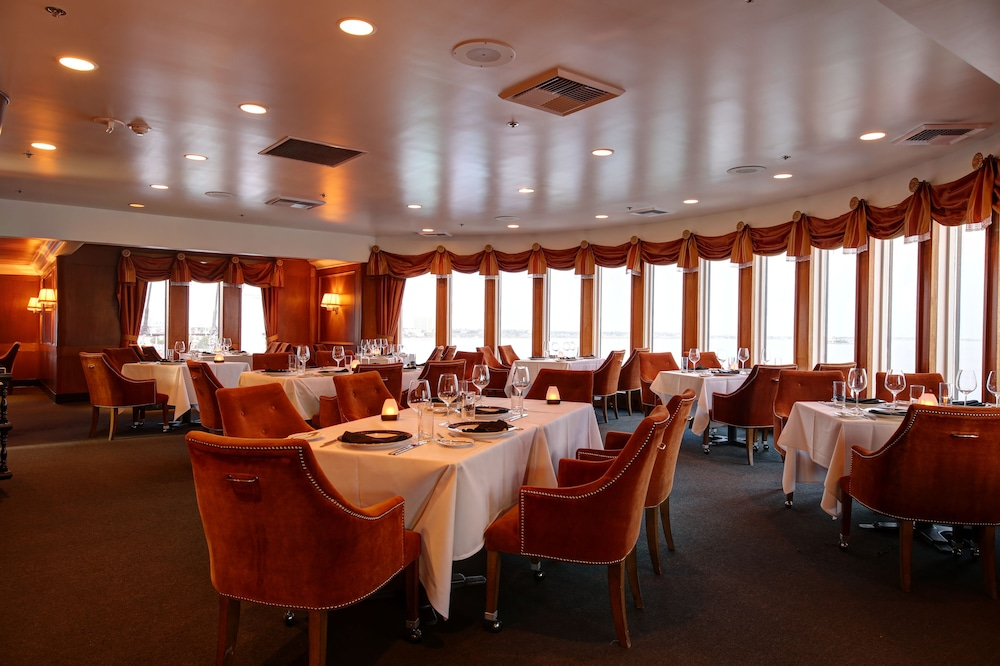 Restaurant, The Queen Mary