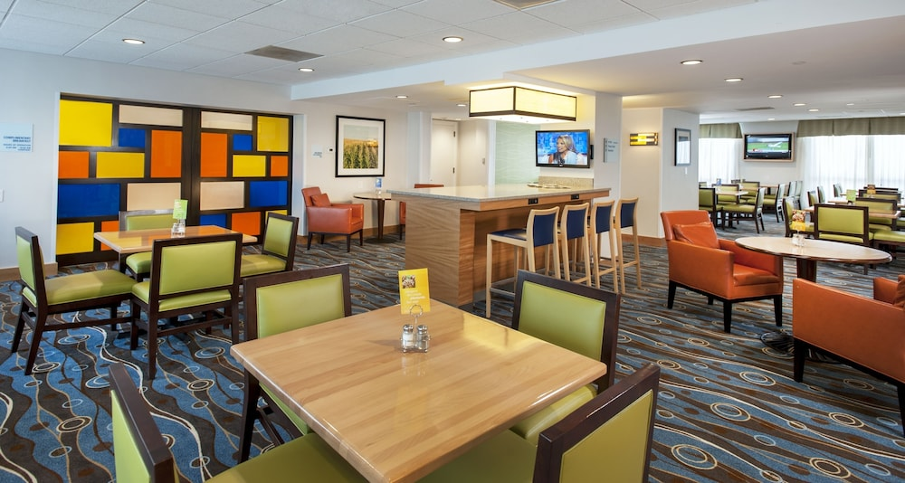 Restaurant, Holiday Inn Express Hotel & Suites Germantown-Gaithersburg