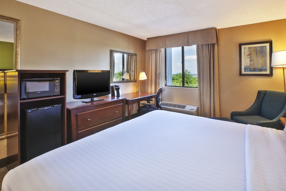 Room, Holiday Inn Express Hotel & Suites Germantown-Gaithersburg